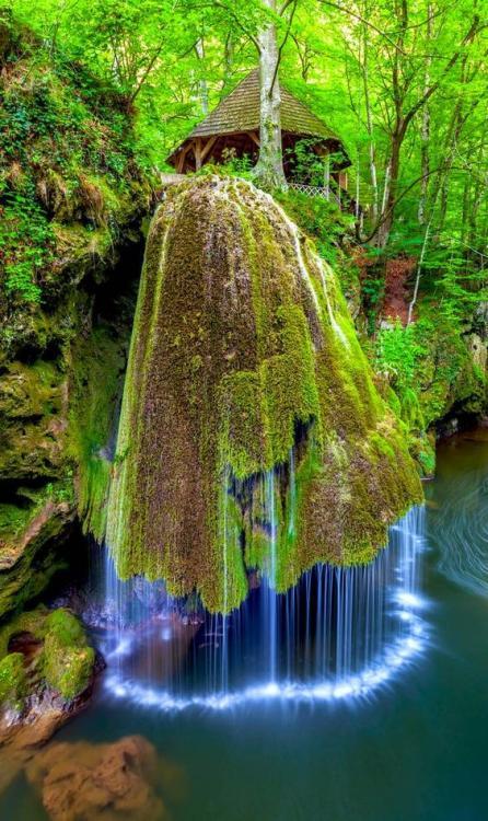Bigar Waterfall.jpg